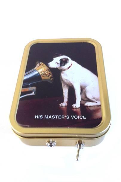 Vintage-tin MP3 speakers