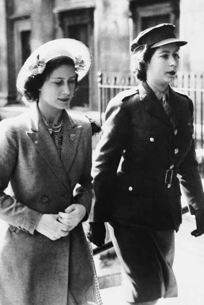 1945: At the National Gallery with Princess Elizabeth (right)
